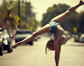 Акробатичні вправи: види, комплекси на уроках фізкультури, в гімнастиці фото