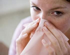Герпес в носі: як лікувати болячки медикаментозними і народними методами? фото