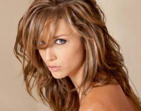 Як робити мелірування волосся вдома? фото