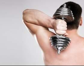 Як накачати плечі в домашніх умовах? Найдієвіші вправи фото