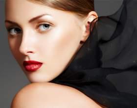 Як правильно зробити макіяж для блакитних очей фото