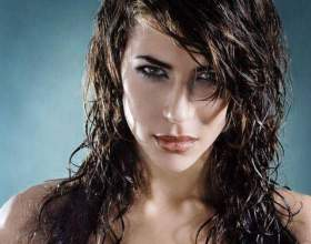 Як зробити ефект мокрого волосся? фото