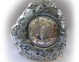 Камінь скорпіона жінки: як вибрати для себе відповідний оберіг? фото