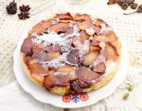 Пиріг-перевертиш з яблуками фото
