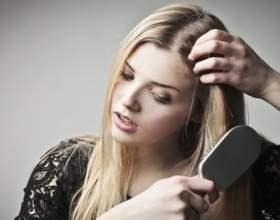 Чому випадає волосся у жінок? фото