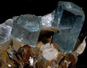 Напівкоштовні камені: фото і назви. Список напівкоштовних каменів фото