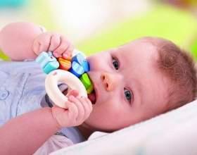 Пронос при прорізуванні зубів у дітей: чому з`являється діарея і чим її лікувати? фото