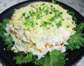 Рибний салат з рисом фото