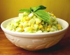 Салат з китайської капусти, кукурудзи і селери фото