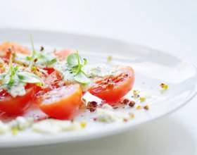 Салат з помідорами чері і руколою фото