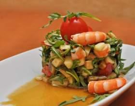 Салат з руколою і креветками фото