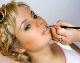 Секрети і тонкощі макіяжу губ фото