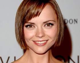 Стрижки на коротке волосся для круглого особи фото