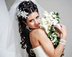 Весільні зачіски на довге волосся з фатою фото