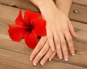 Тріщини і суха шкіра на руках: причини і правила догляду фото