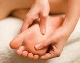 Ванна для ніг з содою і сіллю - догляд за ніжками фото