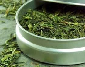 Зелений і чорний чай в масках для волосся і обличчя фото